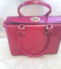 Pink lakovana čvrsta torba-NOVO SA ETIKETOM