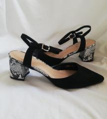 Odlicne sandalete