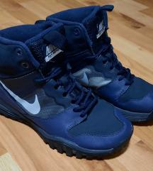 Nike Dual Fusion Hills  br. 38.5 - original