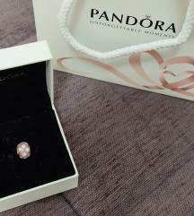 Pandora privezak rozi