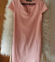 Prelepa roze haljina