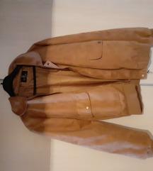 muška jakna od prevrnute kože