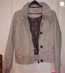 Pull and bear krem prolećna jaknica