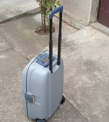 kofer samsonite  avion