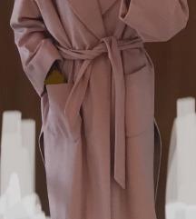 Novo roze italijanski kaput