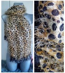 Leopard cupava esarpa sa resama