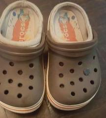 Original Crocs braon papuce/klompice br. 26 (8-9)