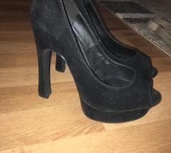 Crne sandale br 37