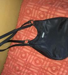 Crna vintage torba na rame
