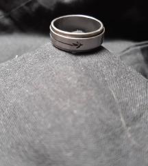 Prsten od hirurskog celika