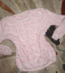 Predivan čupavi džemper Novo