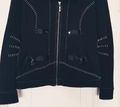 Yest, divna tanja jakna, kao NOVA !