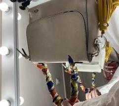 Carprisina torbica POKLON Carprisin privezak