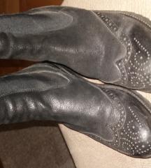 Kratke cizme br.39