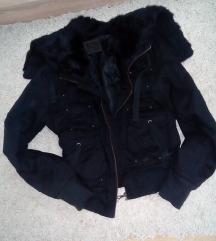 Crna jakna krzno vel. M