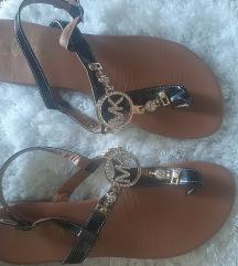 MK sandale crne