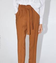 Zara pantalone nove sa etiketom