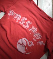 Crvena majicica Passage