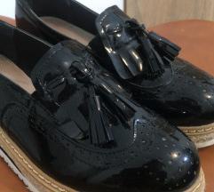 Crna cipela
