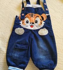Pantalone za bebe na tregere