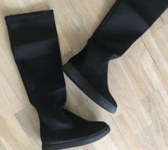 Crne čizme - novo