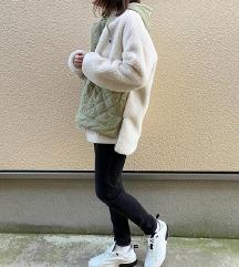 Zara teddy jakna nova