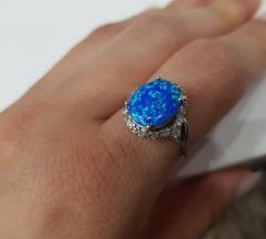 Srebrni prsten sa opalom