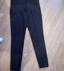 Nove pantalone ,snizeno