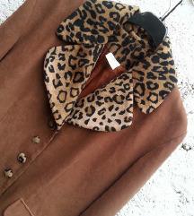 EXTRA SNIZENO Vintage jakna sa tigrastim detaljima