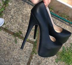 Potpuno NOVE crne cipele sa visokom potpeticom