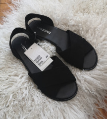 rezzH&M nove sa etiketom sandale br.37
