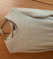 Džemper nikad nošen