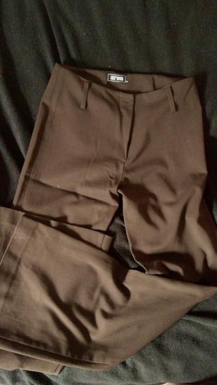 Elegantne poslovne/svečane pantalone
