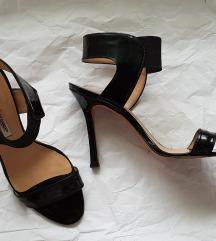 Crne lakovane sandale Pepe model
