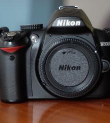 Fotoaparat Nikon D3000 + poklon