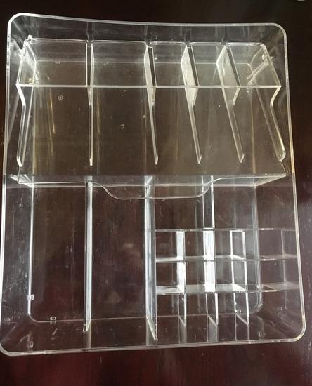 Kutija za cuvanje sminke