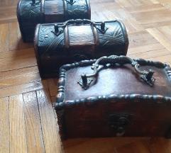 3 kovcega za odlaganje