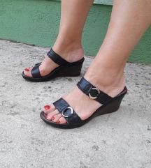 TAMARIS crne kozne papuce 24,5 - 25cm kao nove