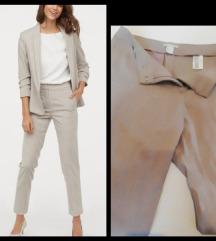 Hm poslovne pantalone nove