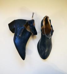 Letnje cizme 37 (24cm)