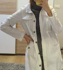 AGR bela jaknica