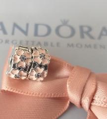 PANDORA Cvetna klipsa