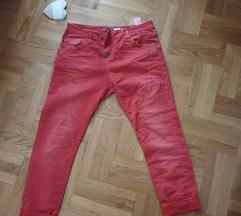 NOVO SA ETIKETOM Brutalne Please pantalone