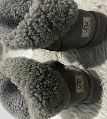 UGG sive cizme