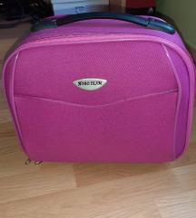 Kofer za sminku