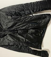 Elegantna satenska jaknica