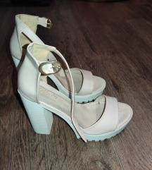 Sandale sa debljom štiklom