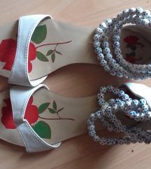 Sandale sa nizom perlica 38