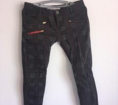 dizajnerske pantalone  *** POPUST SA 3500 na 2000