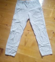Pamucne Benetton pantalone kao nove!